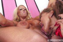Beautiful-lesbians-Ava-Devine-and-Alura-Jenson-munching-on-pussy-hole